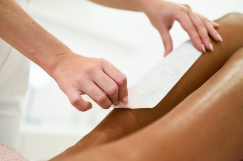 Epilation traditionnelle jambes